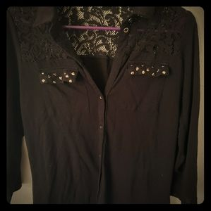 Maurice's 3/4 length shirt with lace